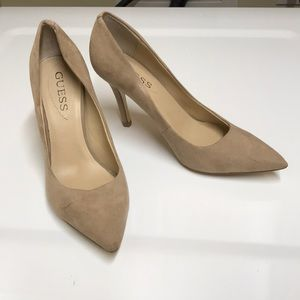 Guess tan pointy toes pumps